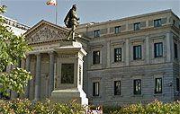 Estatua de Cervantes y Congreso de los diputados