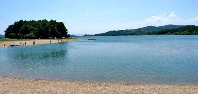 Playa de Landa, embalse de Ullíbarri-Gamboa en Álava
