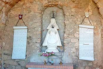 Ermita del castillo de Penarroya