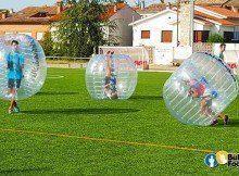 Practicar fútbol burbuja en Madrid