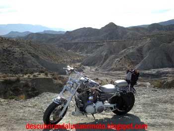 Ruta en moto por el desierto de Tabernes